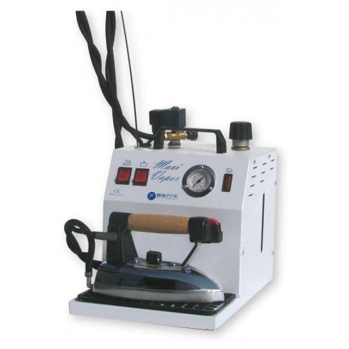 Generator de abur Maxi Vapor cu boiler de 3,5 l dotat cu fier de calcat profesional Bieffe
