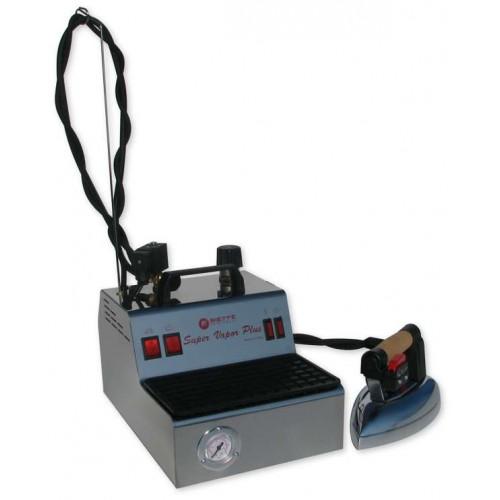 Generator de abur Super Vapor Plus dotat cu boiler de 2 l si fier de calcat profesional Bieffe